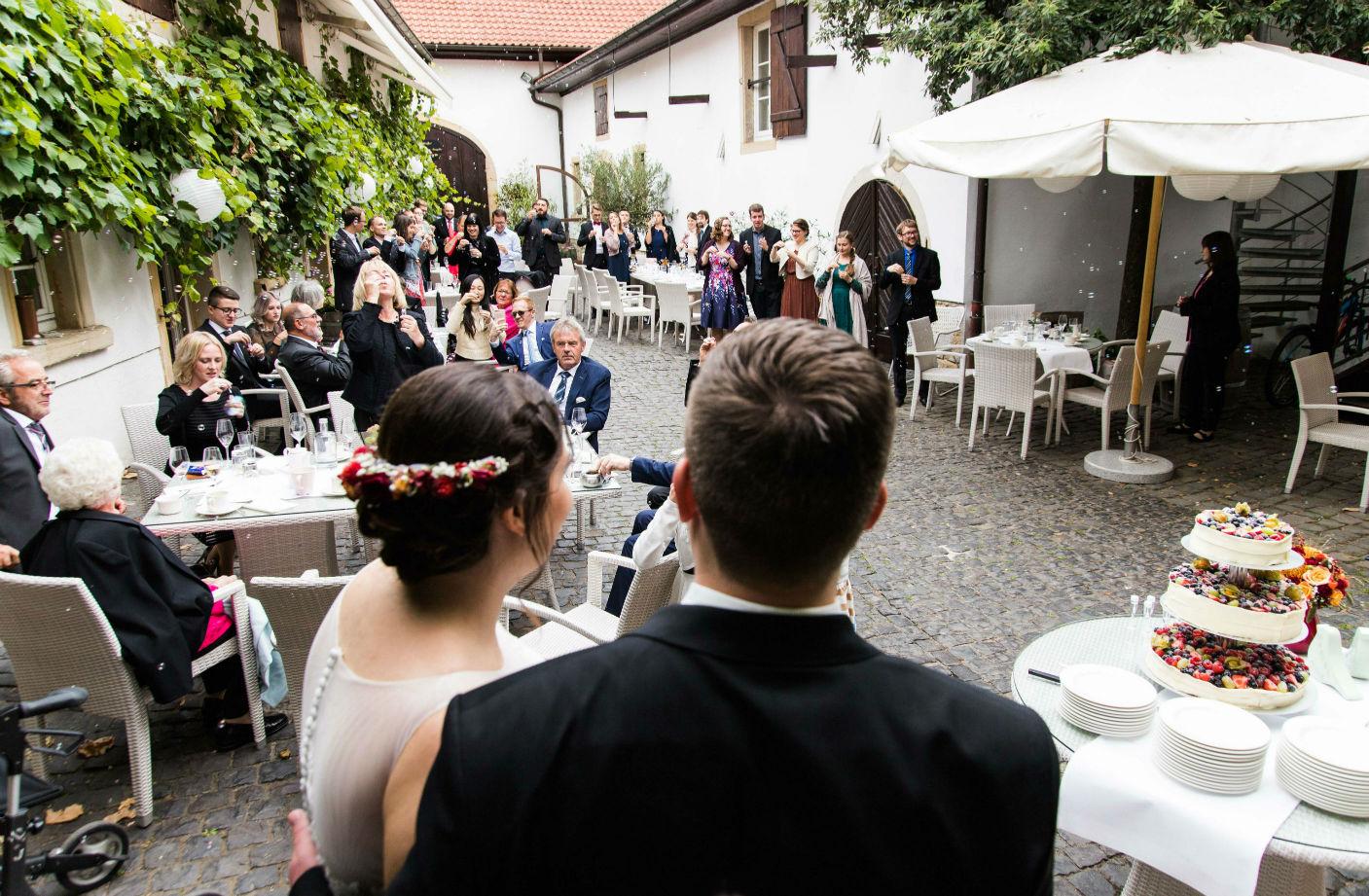 Brautpaar im Freinsheimer Hof in Freinsheim