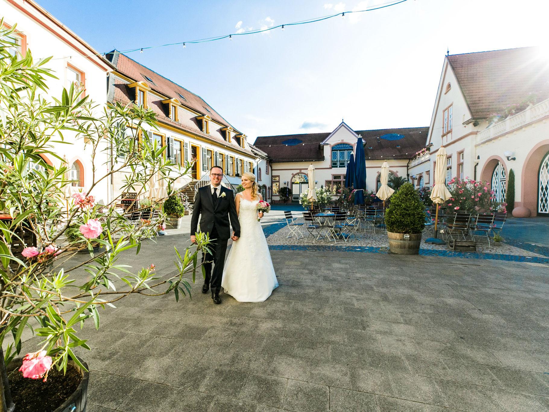 Der Innenhof der Sektkellerei Schloss Wachenheim