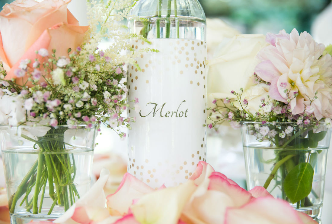 Der liebevoll dekorierte Hochzeitstisch