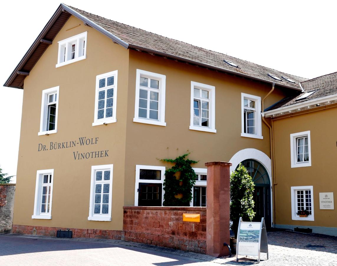 Hochzeitslocation Weingut Dr. Bürklin Wolf Vinothek Wachenheim Pfalz