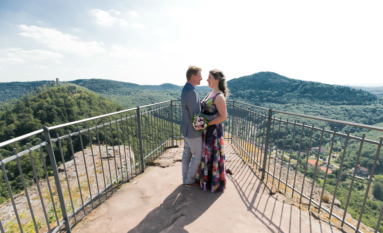 Brautpaar auf der Burg Trifels AnnweilerPfalz